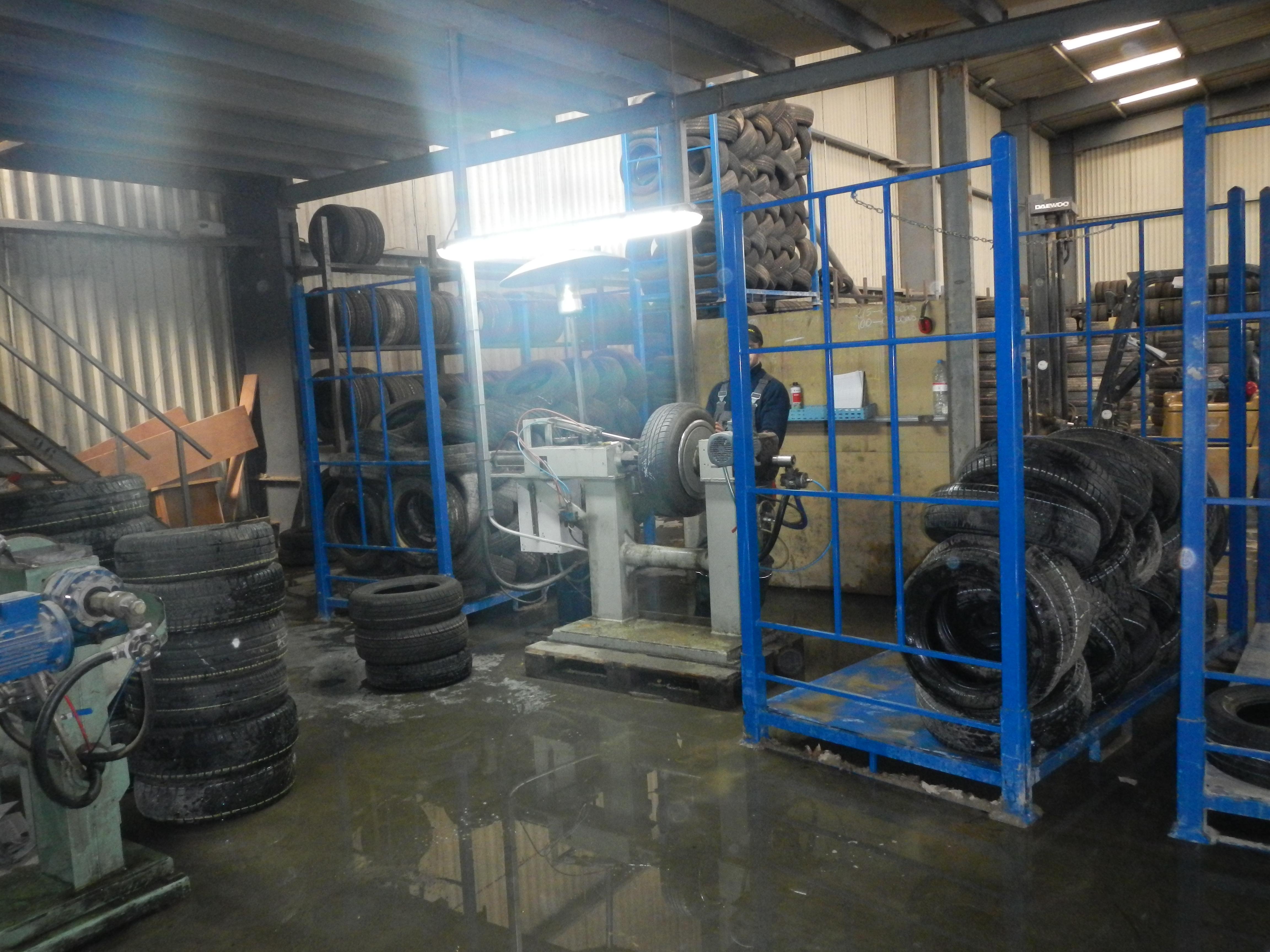 grossiste pneu occasion import export pneu occasion. Black Bedroom Furniture Sets. Home Design Ideas